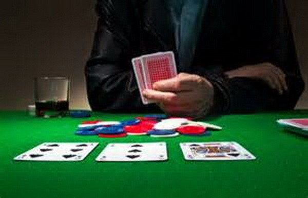 【蜗牛扑克】Ed Miller谈扑克:观察公共牌结构