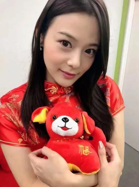 【蜗牛扑克】吉高宁宁(吉高宁々)FSDSS-185:暴雨夜与下属摩擦运动取暖!
