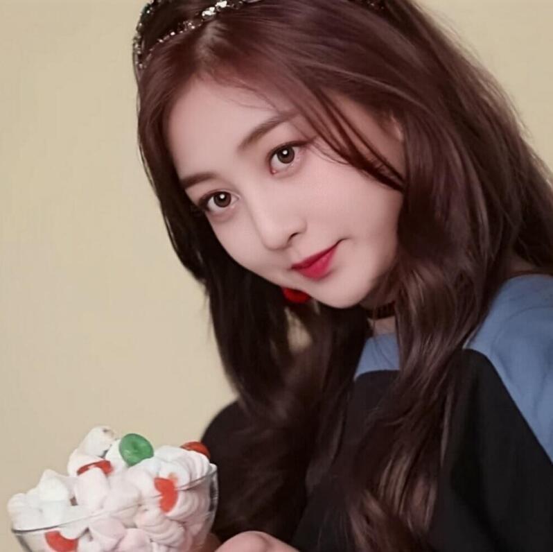 【蜗牛扑克】朴志效 韩国女子演唱组合TWICE队长写真照、生活照分享