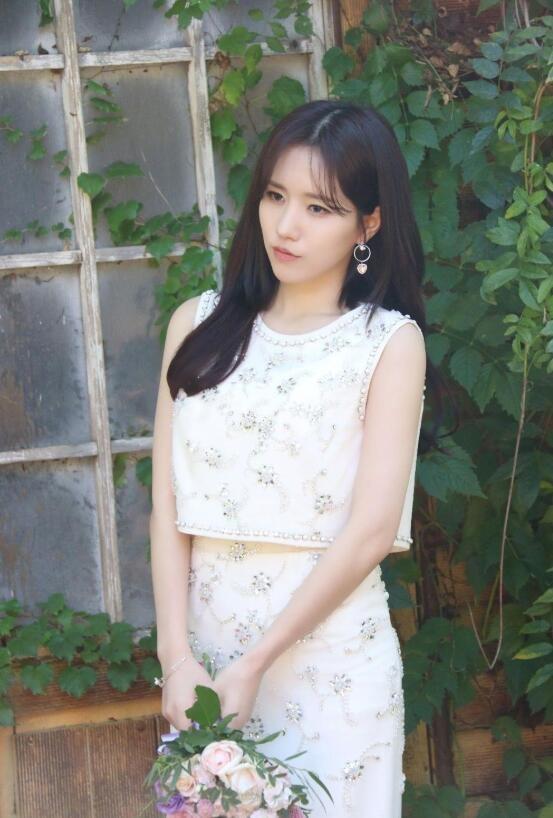 【蜗牛扑克】朴明恩 韩国女子演唱组合Lovelyz成员美照分享及个人资料