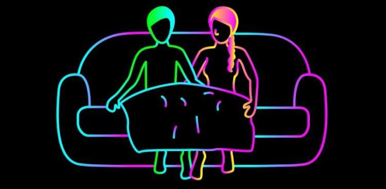 【蜗牛扑克】爱爱被室友发现好害羞!掌握5个小技巧让你和男友啪啪all night不停歇