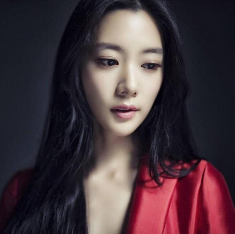 【蜗牛扑克】李成敏 亚洲第一美女美照鉴赏及个人资料